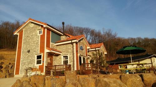 Sunny Terrace, Pocheon