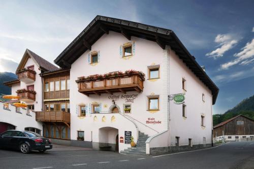 Hotel Schwarzer Adler, Bolzano
