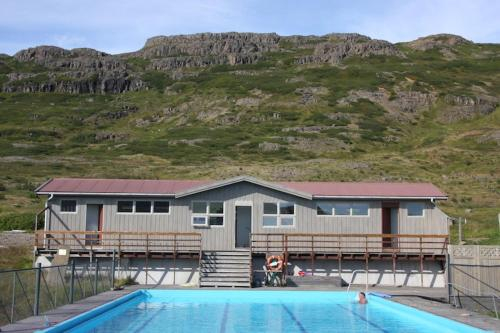 Hotel Laugarholl with natural hot spring, Kaldrananeshreppur
