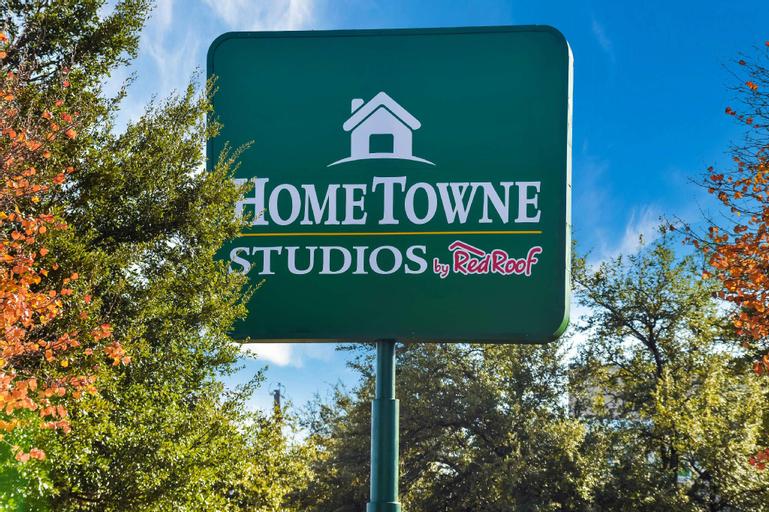 HomeTowne Studios Dallas - North Addison/Tollway, Dallas