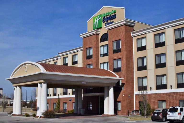 Holiday Inn Express Hotel & Suites Pratt, Pratt
