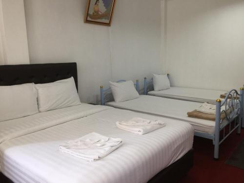 No.1 Guesthouse Silom, Bang Rak