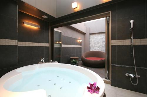 HOTEL W-PREMIUM -W GROUP HOTELS and RESORTS-, Koshigaya