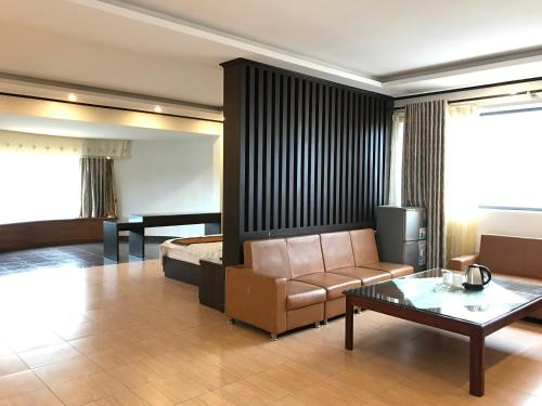 Thao Ly Hotel, Cẩm Phả