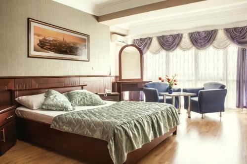 King Hotel, Peć