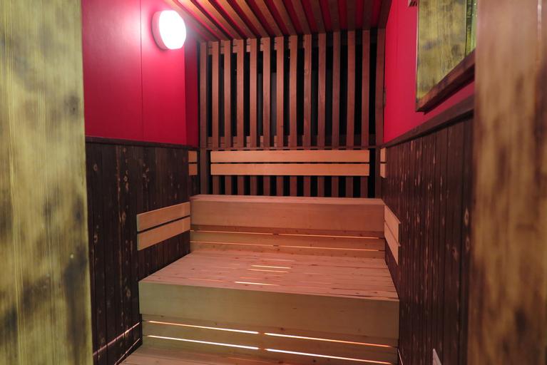 Capsule Hotel & Sauna Cosmo Plaza Akabane, Kita
