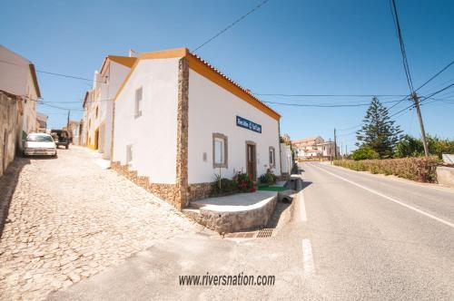 Rivers Nation Surf Camp, Peniche