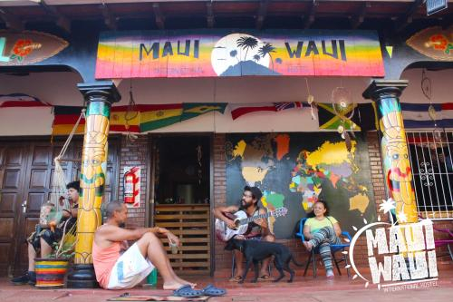 Maui Waui International Hostel, Encarnación