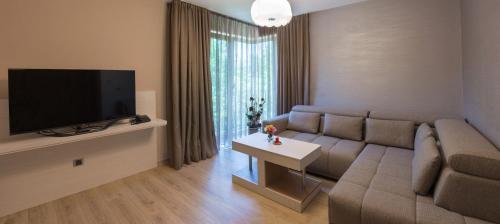 Hotel & Relax Zone Cattleya, Letnitsa