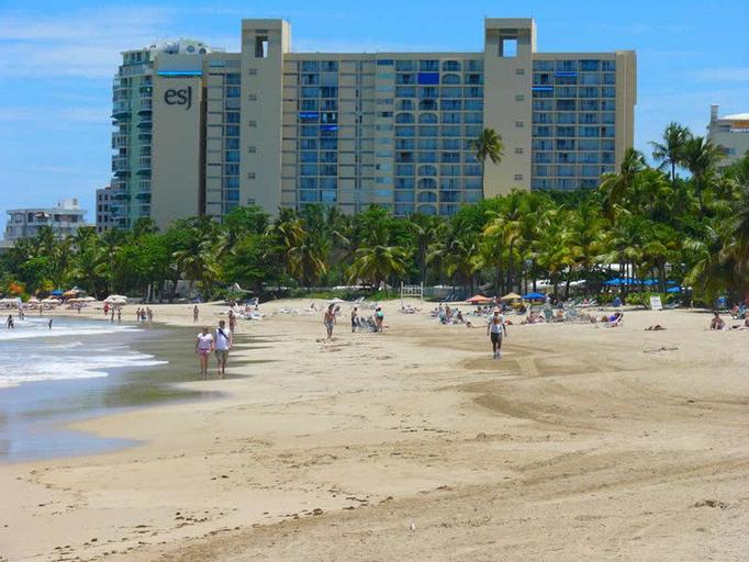 Borinquen Beach Inn,