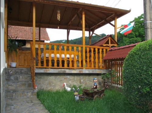 Lazar's Light Guest House, Troyan