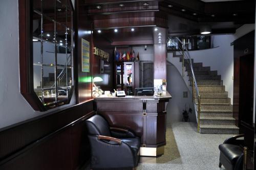 Hotel Gold, Peć