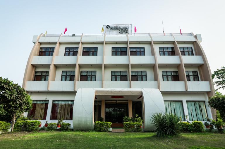 OYO 18465 Hotel Nestway, Panipat