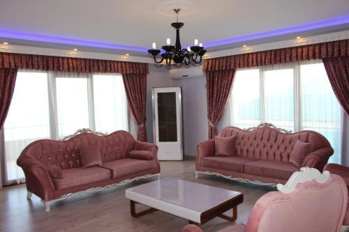 Amwaj Suites VIP, Arsin
