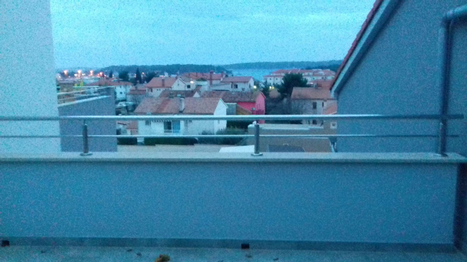 Apartment With one Bedroom in Medulin, With Wonderful sea View, Furnis, Medulin