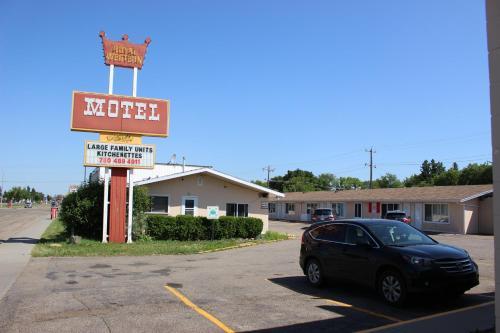 Royal Western Motel, Division No. 11