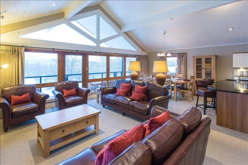 Cameron House Three Bedroom Detached Lodge with Scenic View L31, Argyll and Bute