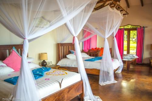 Pineapple Bay Resort, Mukono