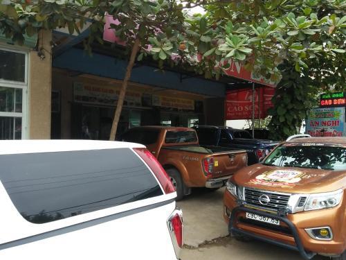 Cao Son Guesthouse & Restaurant, Gia Viễn