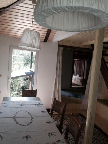 Fisherman's Cottage, Partestii De Sus