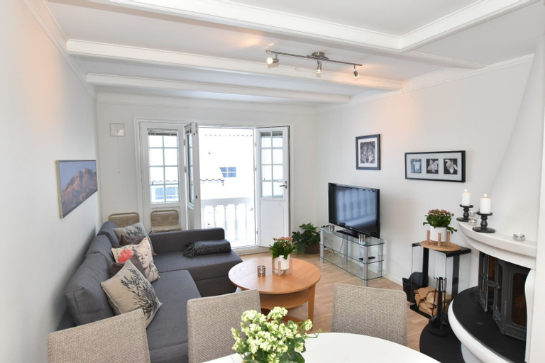 Private Luxury Duplex Apartment at Dr Holms Hotel, Hol