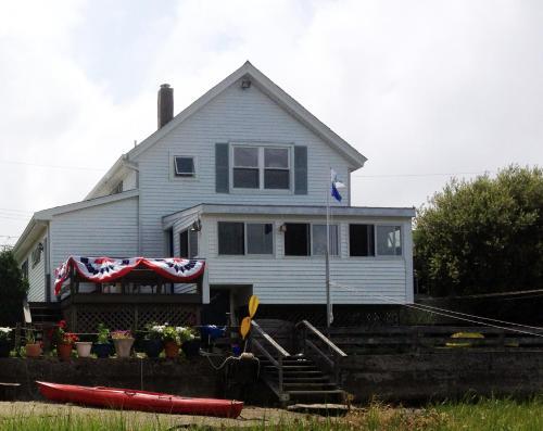 Cedar Cove Cottage, Newport