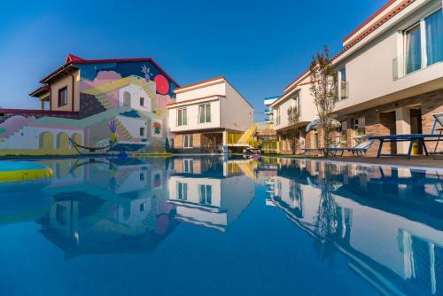 Nayino Resort Hotel, Navodari