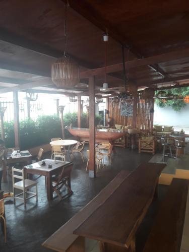 Hotel Restaurant La Pirogue, Komo-Mondah