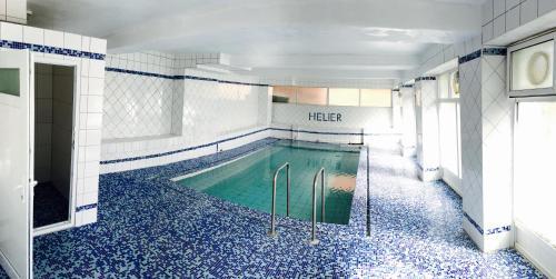Helier Hotel, Yakoruda
