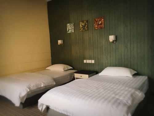 Linjian Hotel Chain Bieyuan Branch, Honghe Hani and Yi