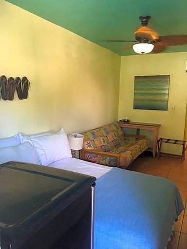 Mamacitas Guest House,