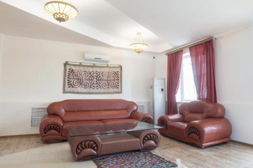 Hotel Alma Ata, Karmakchinskiy