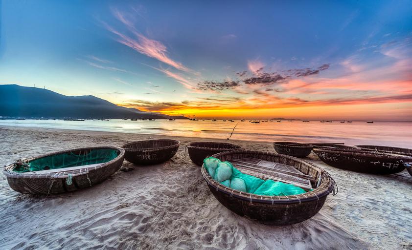 Blue Rose, Thanh Khê