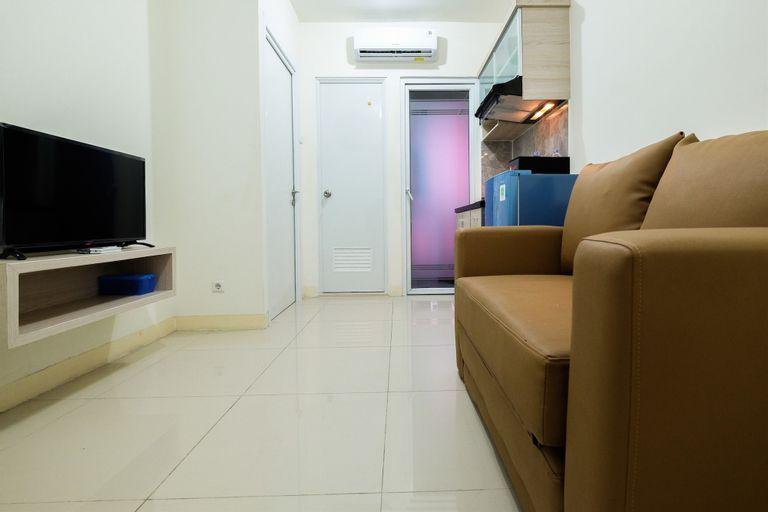 Comfortable 2BR Green Pramuka Apartment, Jakarta Pusat
