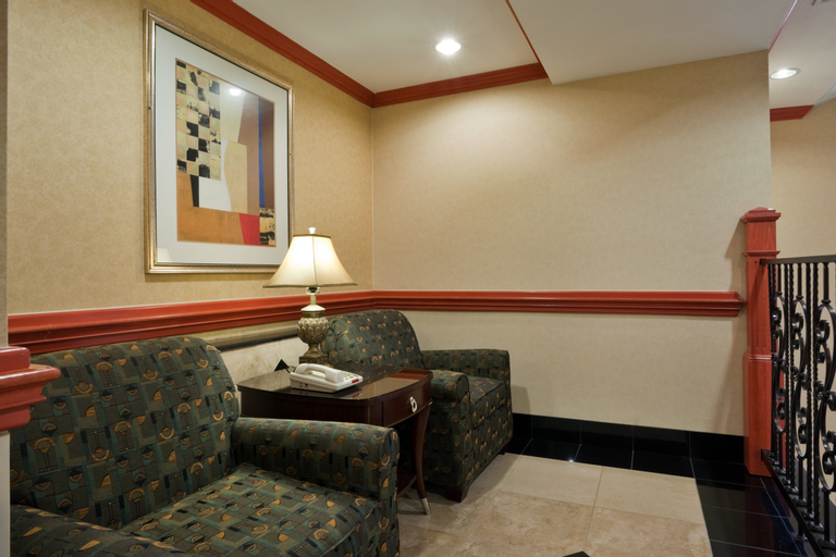 Hol. Inn Exp. Hotel and Suites Fairfield-North, Freestone
