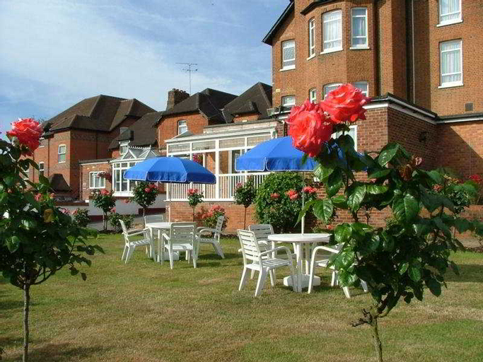 Walton Cottage Hotel and Suites, Windsor and Maidenhead