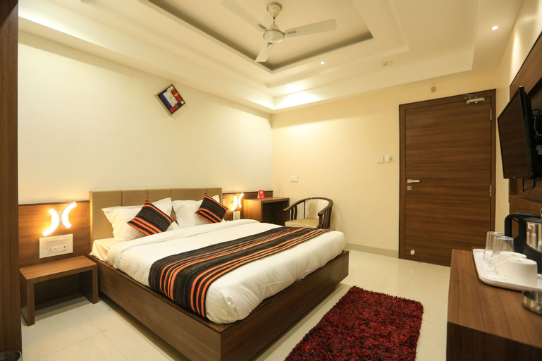 OYO 8650 Hotel Johri Residency, Bhopal