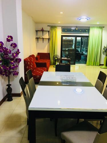 Family guesthouse, Min Buri