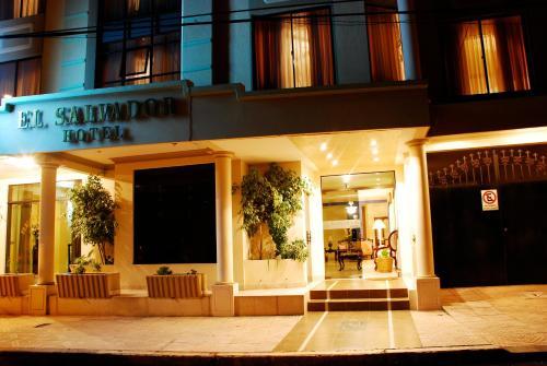 Hotel El Salvador, Cercado