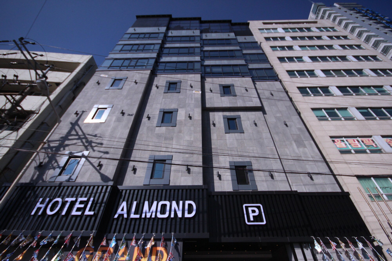 Hotel Almond Busan Station, Dong