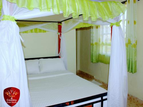 Town & Country Guesthouse, Kieni
