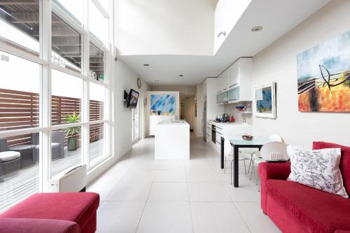Comfortable 4 Bdr Terrace in Historic Annandale, Leichhardt
