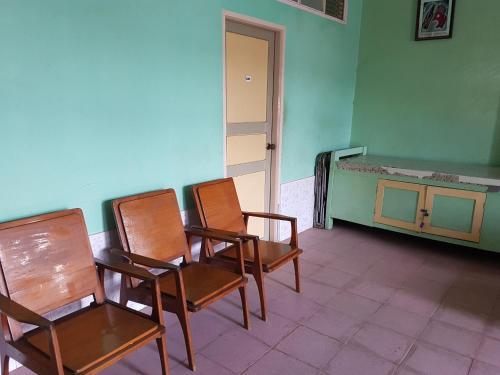 Kyaw Family Guest House - Burmese Only, Pyin-Oo-Lwin