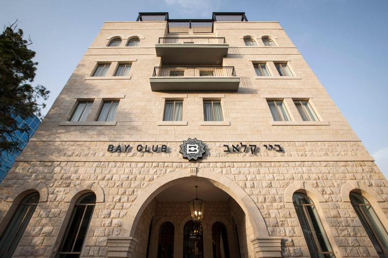 Bay Club Hotel,