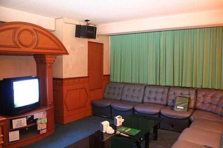Inn Come Suite Bangkok, Wang Thonglang
