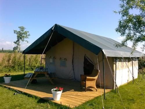 Brabantse tent, Oss