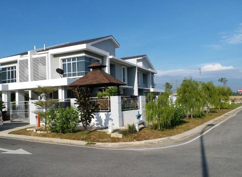 VVIP Homestay Villa Proton City, Batang Padang