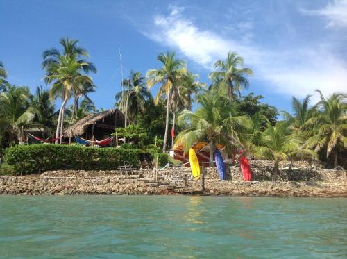 Isla Fuerte Ecolodge & Dive Center, Moñitos