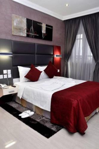De Edge Hotel Port Harcourt, Obio/Akp