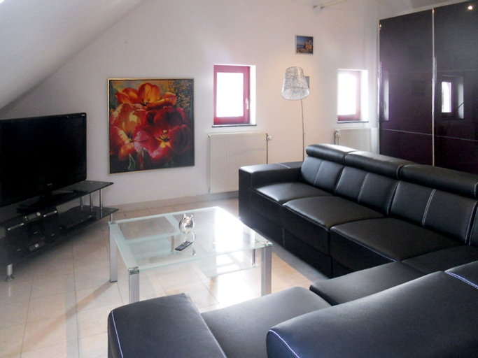 Apartment With one Bedroom in Aubel, With Enclosed Garden, Liège